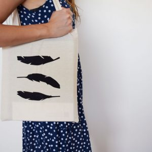 Feathers_Tote_02